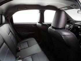 Ver foto 11 de Toyota Etios Platinum Hatchback 2014