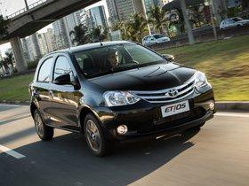 Ver foto 6 de Toyota Etios Platinum Hatchback 2014