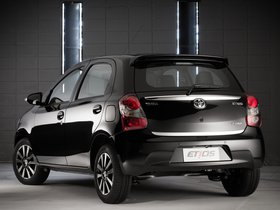 Ver foto 5 de Toyota Etios Platinum Hatchback 2014