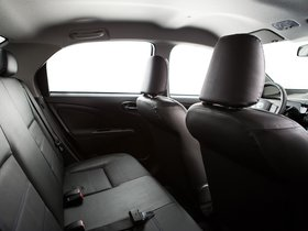 Ver foto 12 de Toyota Etios Platinum Sedan 2014