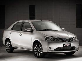 Ver foto 3 de Toyota Etios Platinum Sedan 2014