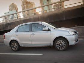 Ver foto 2 de Toyota Etios Platinum Sedan 2014