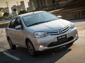Ver foto 1 de Toyota Etios Platinum Sedan 2014
