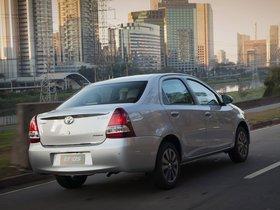 Ver foto 10 de Toyota Etios Platinum Sedan 2014