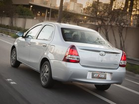 Ver foto 9 de Toyota Etios Platinum Sedan 2014