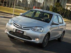 Ver foto 8 de Toyota Etios Platinum Sedan 2014