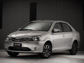 Ver foto 7 de Toyota Etios Platinum Sedan 2014