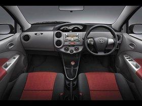Ver foto 9 de Toyota Etios Sedan 2011