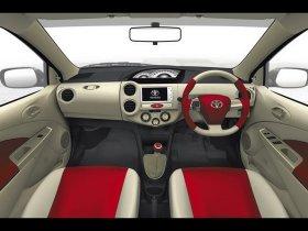 Ver foto 3 de Toyota Etios Sedan Concept 2010