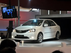 Ver foto 2 de Toyota Etios Sedan Concept 2010