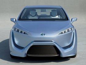 Ver foto 3 de Toyota FCV-R Concept 2011