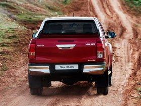 Ver foto 13 de Toyota Hilux Invincible Double Cab 2015