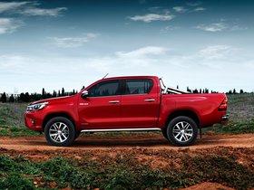 Ver foto 3 de Toyota Hilux Invincible Double Cab 2015