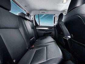 Ver foto 27 de Toyota Hilux Invincible Double Cab 2015