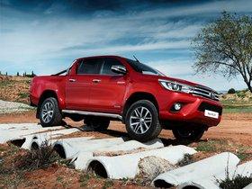 Ver foto 25 de Toyota Hilux Invincible Double Cab 2015