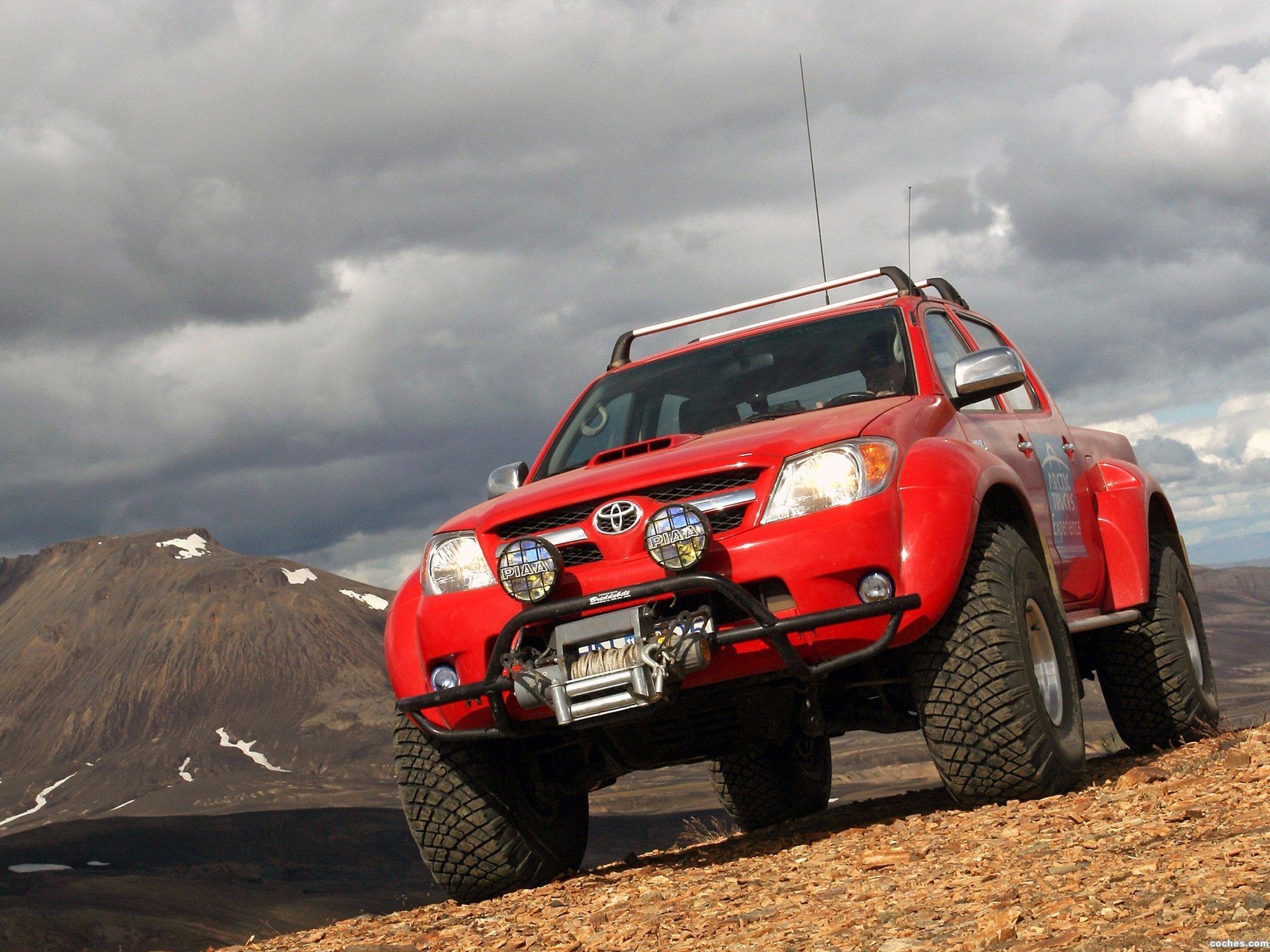 Foto 0 de Toyota Hilux Invincible Double Cab by Arctic Trucks 2009