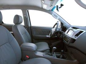 Ver foto 10 de Toyota Hilux SRV Double Cab 4x4 2012
