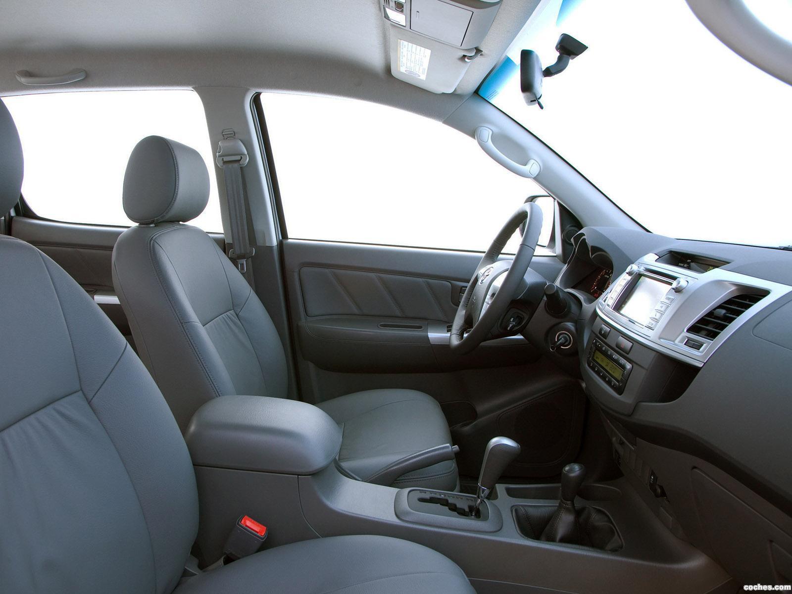 Foto 9 de Toyota Hilux SRV Double Cab 4x4 2012