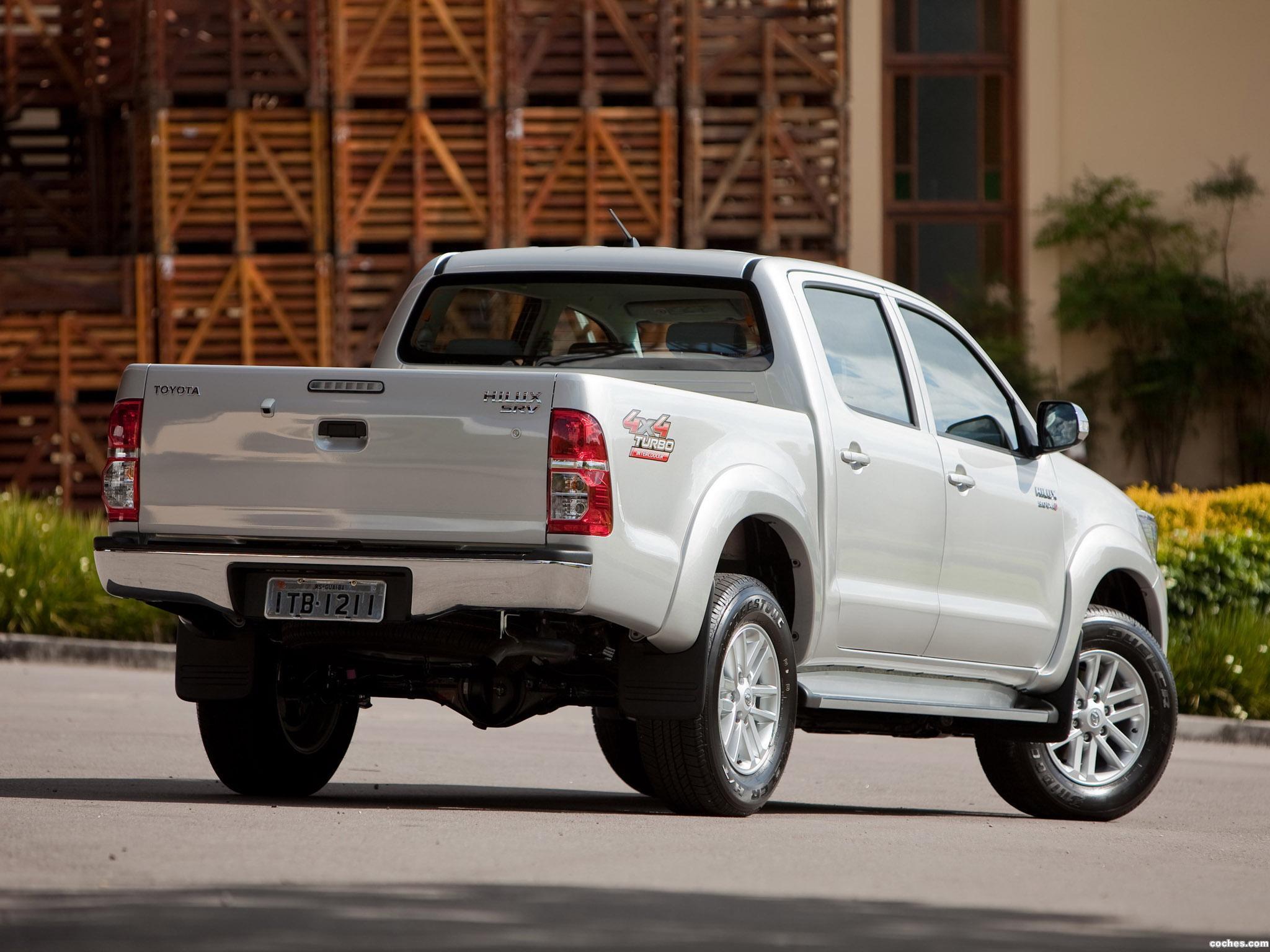 Foto 2 de Toyota Hilux SRV Double Cab 4x4 2012