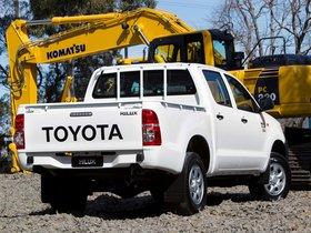 Ver foto 2 de Toyota Hilux WorkMate Double Cab 4x4 2011