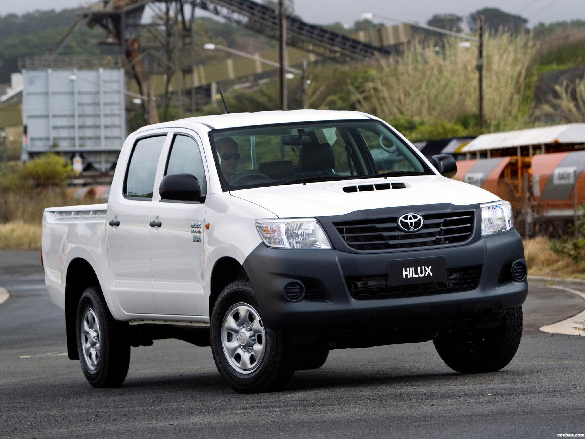 Foto 0 de Toyota Hilux WorkMate Double Cab 4x4 2011