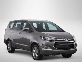Fotos de Toyota Kijang Innova