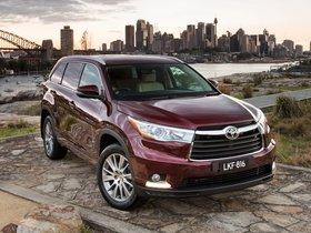 Ver foto 3 de Toyota Kluger 2014