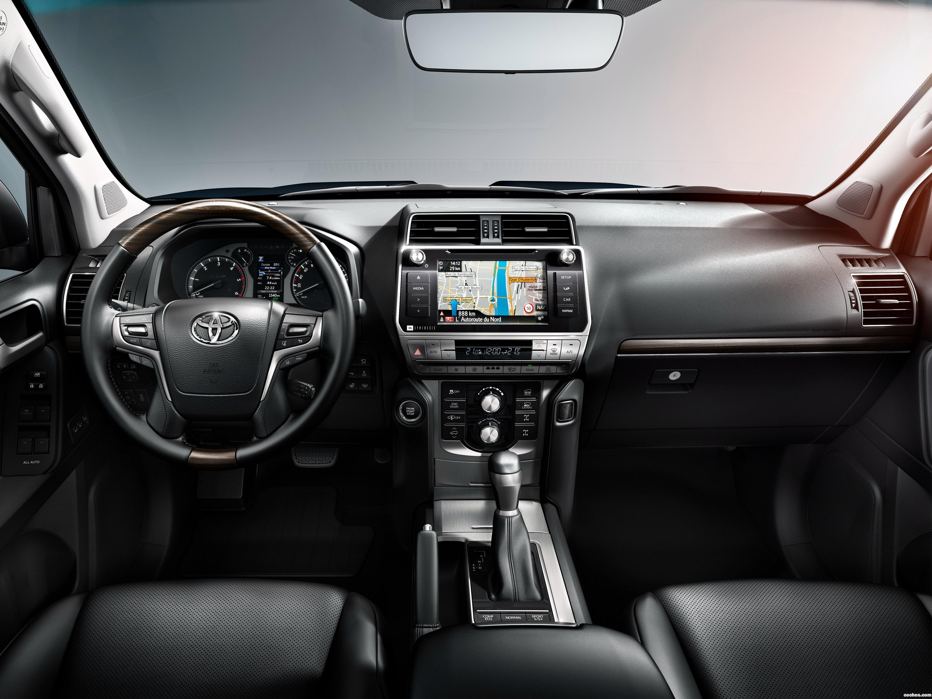 Foto 21 de Toyota Land Cruiser 150 2017