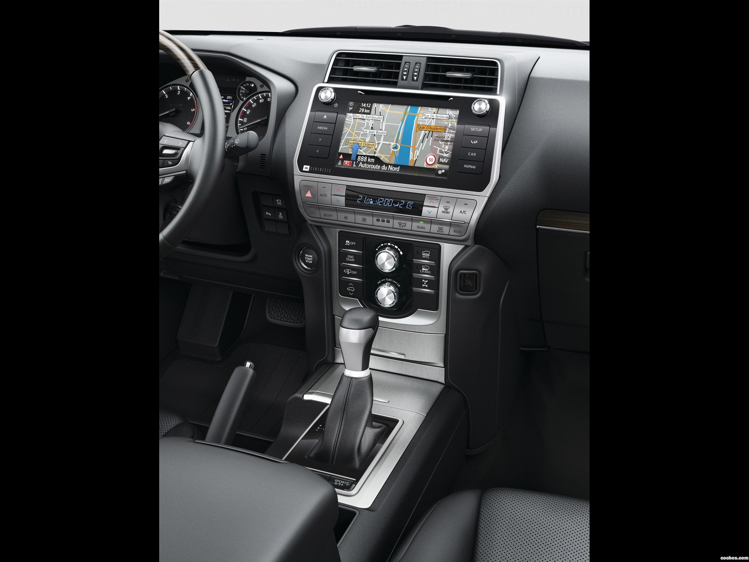 Foto 18 de Toyota Land Cruiser 150 2017