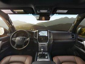 Ver foto 28 de Toyota Land Cruiser URJ200 USA 2015