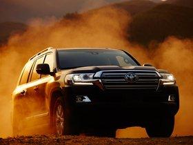 Ver foto 19 de Toyota Land Cruiser URJ200 USA 2015