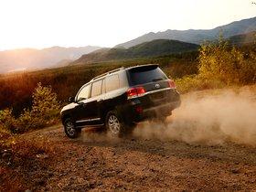 Ver foto 14 de Toyota Land Cruiser URJ200 USA 2015