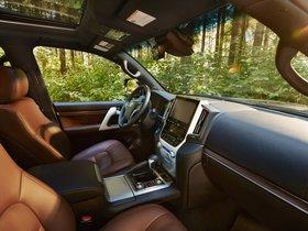 Ver foto 25 de Toyota Land Cruiser URJ200 USA 2015