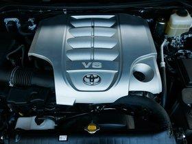 Ver foto 23 de Toyota Land Cruiser URJ200 USA 2015