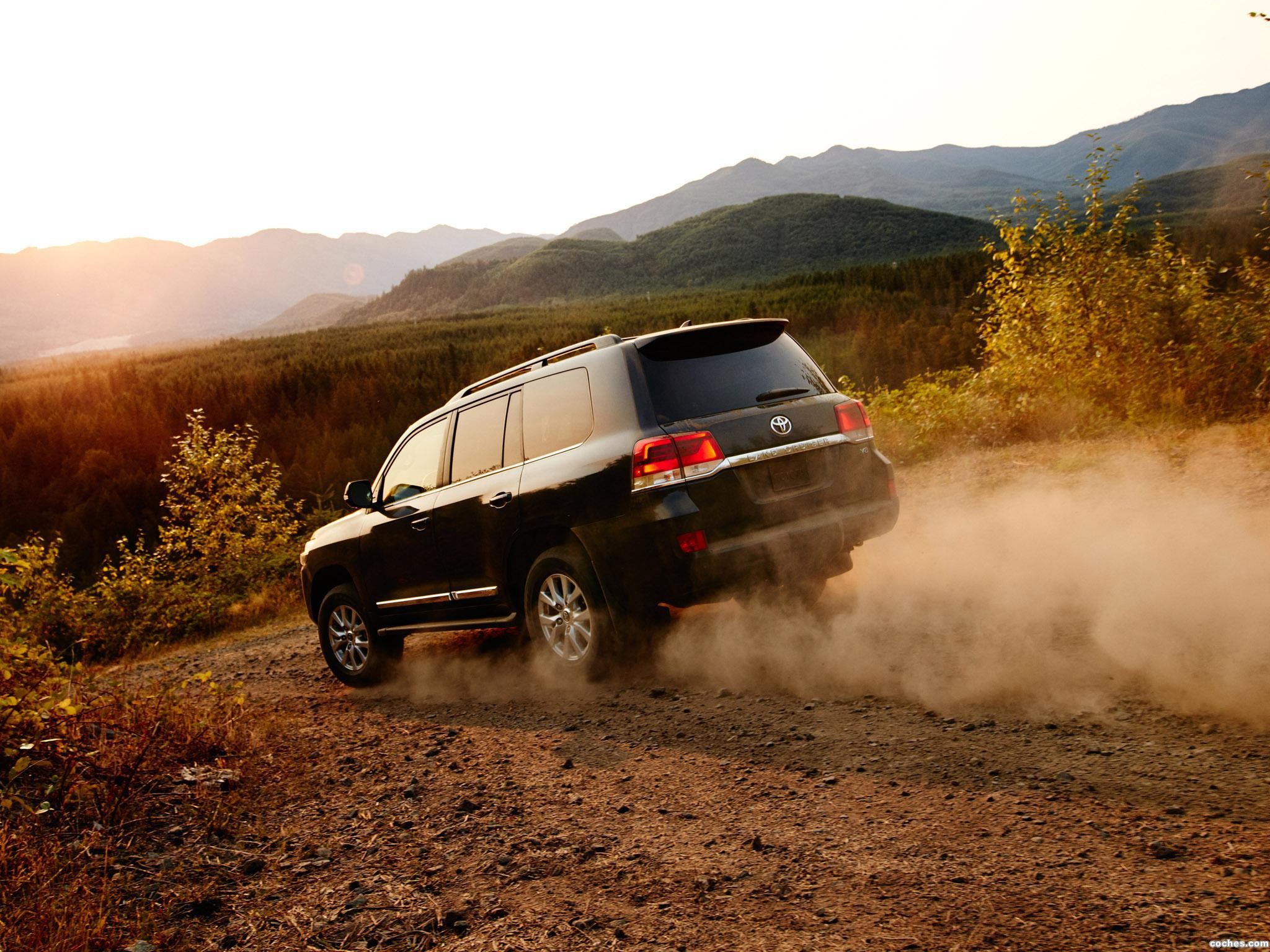 Foto 13 de Toyota Land Cruiser URJ200 USA 2015