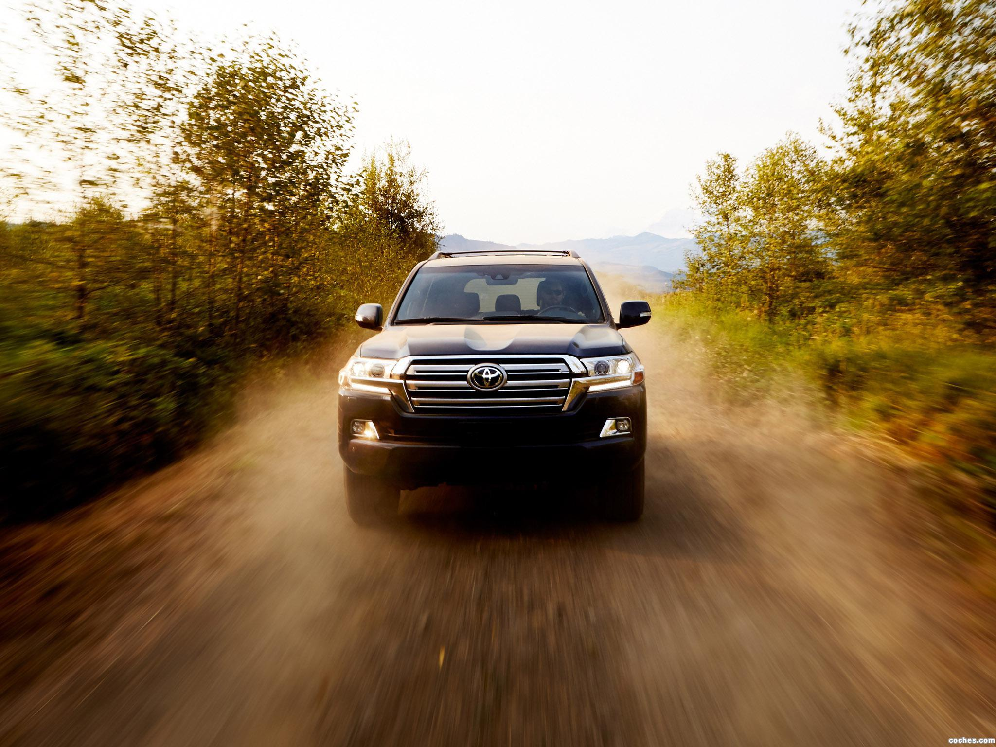 Foto 9 de Toyota Land Cruiser URJ200 USA 2015