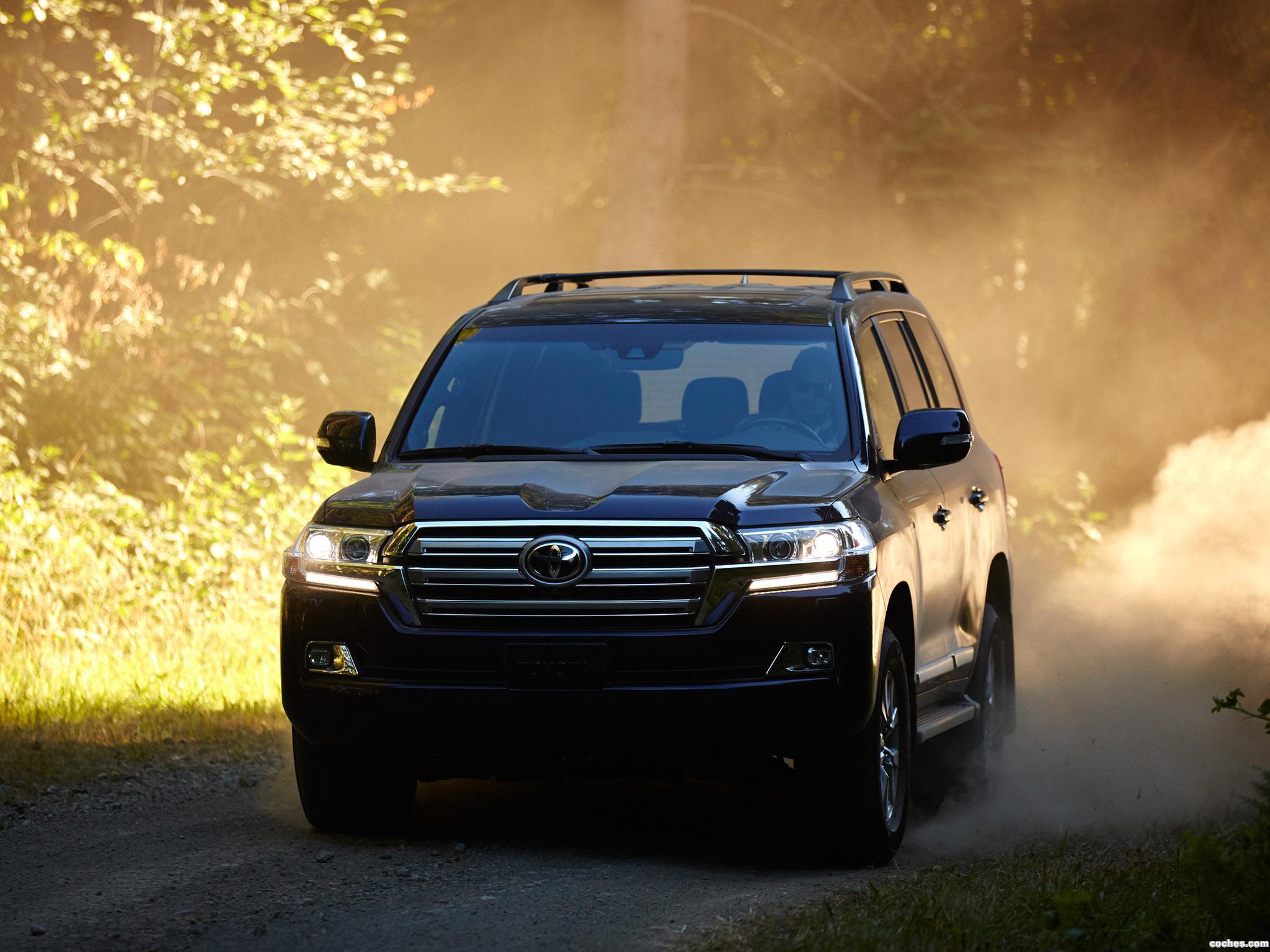 Foto 1 de Toyota Land Cruiser URJ200 USA 2015