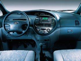 Ver foto 14 de Toyota Previa 2000