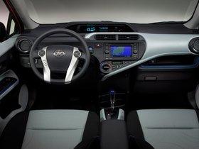 Ver foto 3 de Toyota Prius C 2012