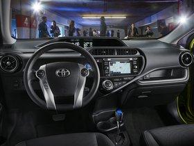 Ver foto 9 de Toyota Prius C 2015