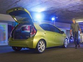 Ver foto 2 de Toyota Prius C 2015