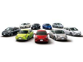 Ver foto 15 de Toyota Prius Japon 2015