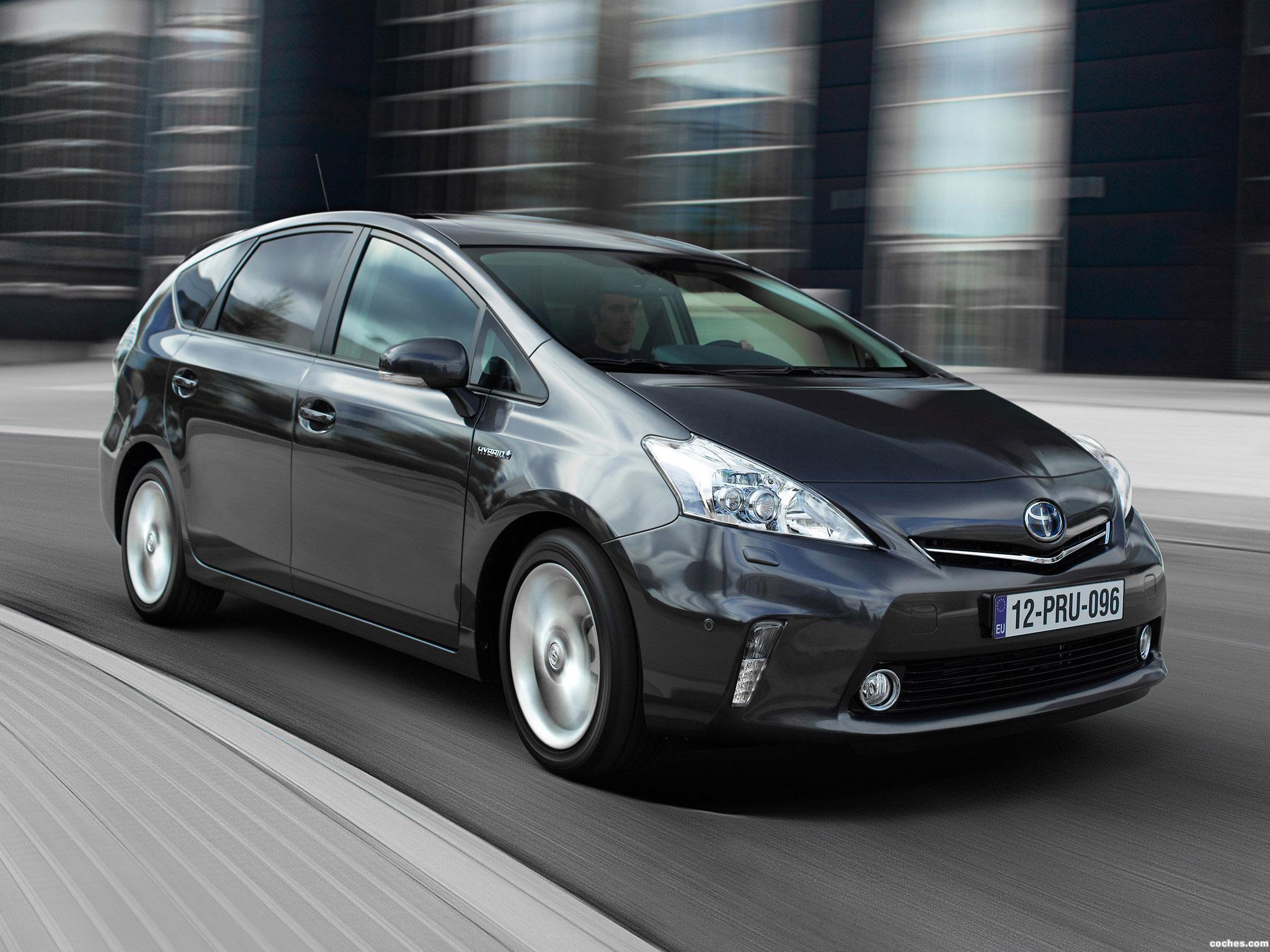 Foto 3 de Toyota Prius Plus Hybrid MPV 2011