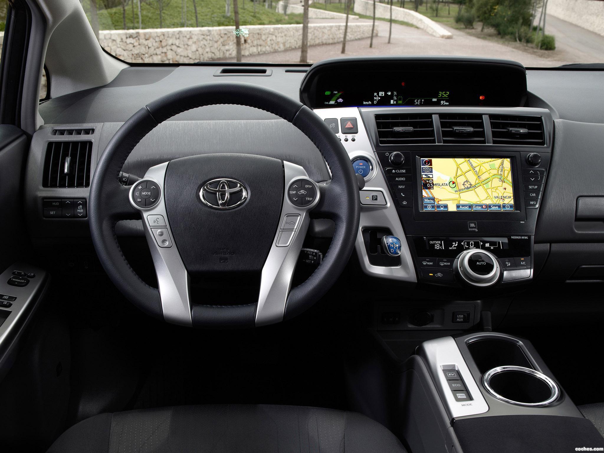 Foto 27 de Toyota Prius Plus Hybrid MPV 2011