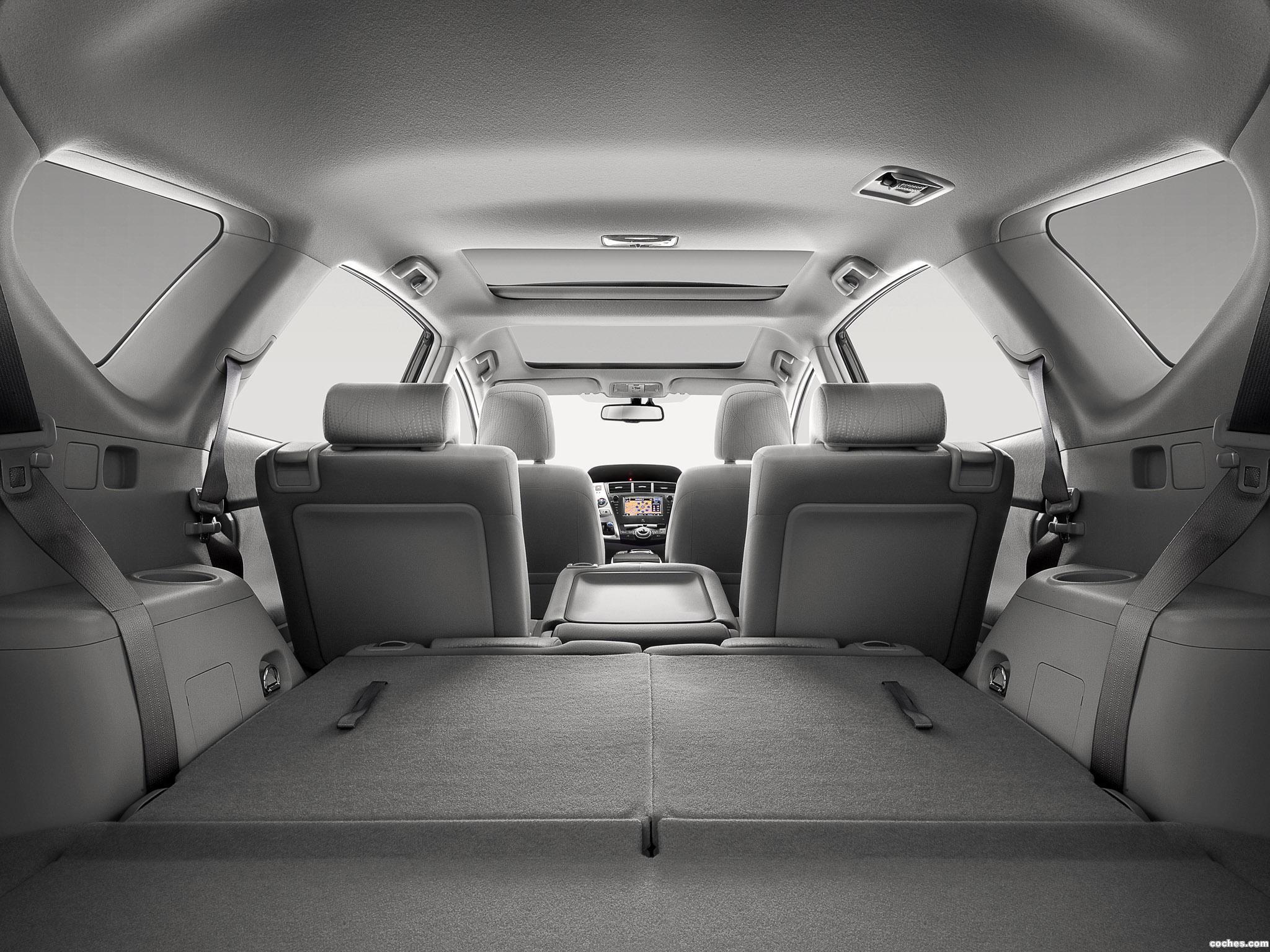 Foto 22 de Toyota Prius Plus Hybrid MPV 2011