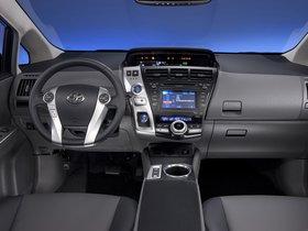 Ver foto 36 de Toyota Prius V 2011