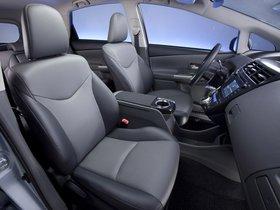 Ver foto 35 de Toyota Prius V 2011