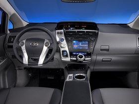 Ver foto 51 de Toyota Prius V 2011