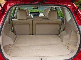 Ver foto 50 de Toyota Prius V 2011