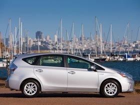 Ver foto 40 de Toyota Prius V 2011